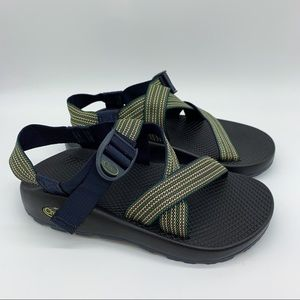 NEW!  Chaco men's green strap sandals, 7.